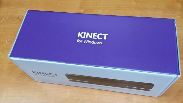 Boîte de Kinect for Windows v2, blanche et pourpre