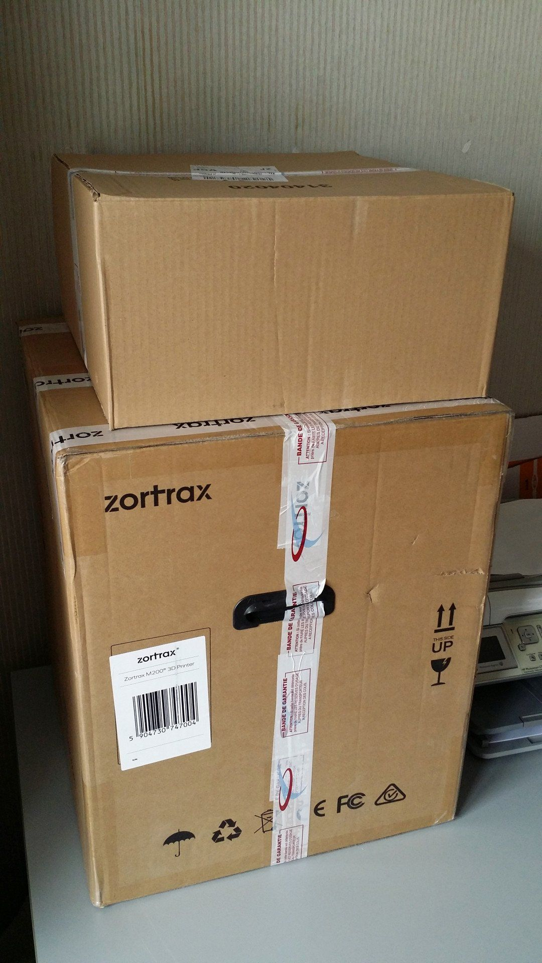 Cartons de livraison de l'imprimante 3D Zortrax M200